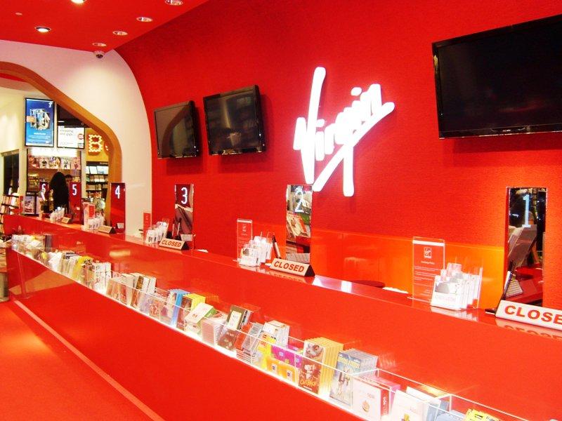 Tensator In-Queue Merchandising Virgin Megastore Dubai